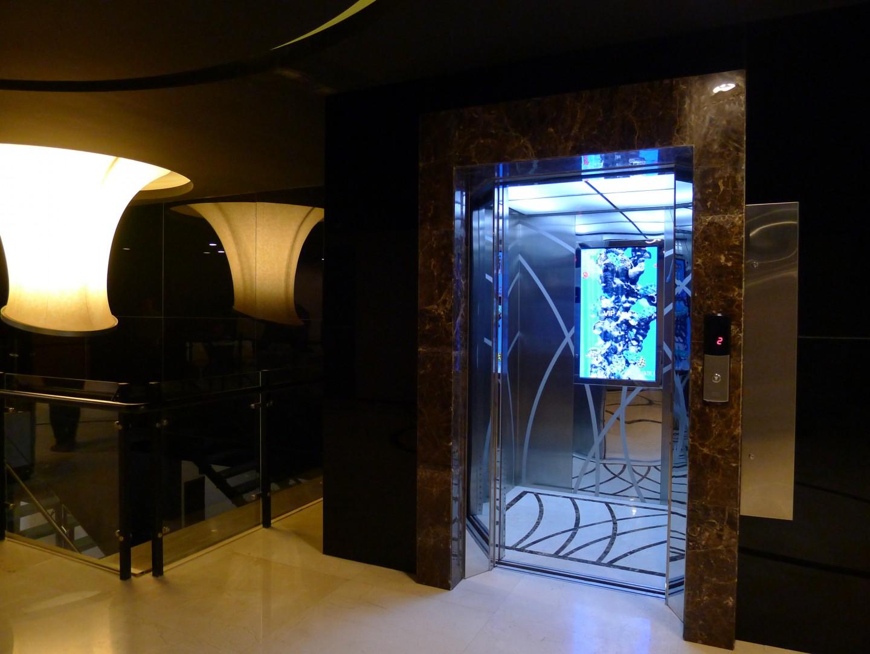 DigiGage-system-at-a-Kone-elevator-at-Dalian-China-3