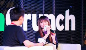 TechNode journalist Li Motian and Pan Jie from LGD Gaming (Image credit: VPhoto)