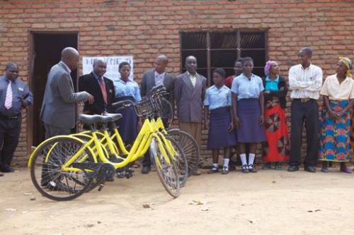 Iconic bikes provided by ofo and the Clara Lionel Foundation (Image credit: Caijing)