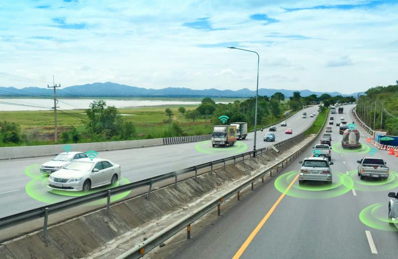 bigstock-Smart-Car-Self-driving-Mode-V-260101192-uai-800x520
