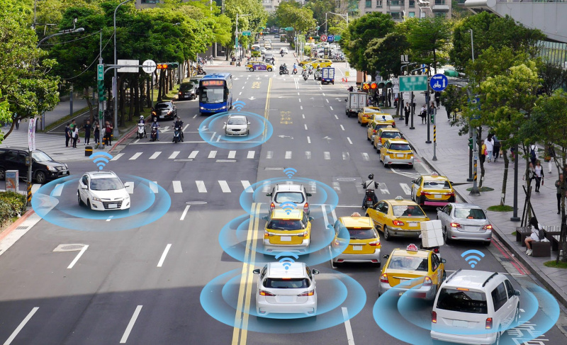 bigstock-Smart-Car-Self-driving-Mode-V-260101189-uai-800x487