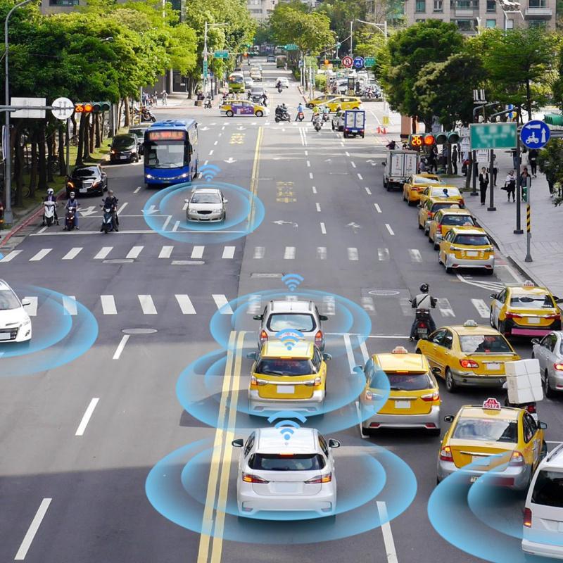 bigstock-Smart-Car-Self-driving-Mode-V-260101189-uai-800x800